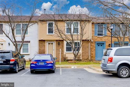 Photo of 4645 BRENTLEIGH CT, ANNANDALE, VA 22003 (MLS # VAFX1111690)