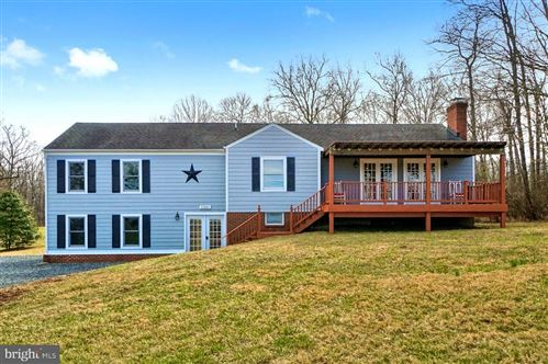 Photo of 15001 SUGARLAND RD, POOLESVILLE, MD 20837 (MLS # MDMC680692)