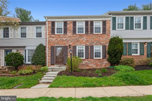 Photo of 12 CHANTILLY CT, ROCKVILLE, MD 20850 (MLS # MDMC752694)