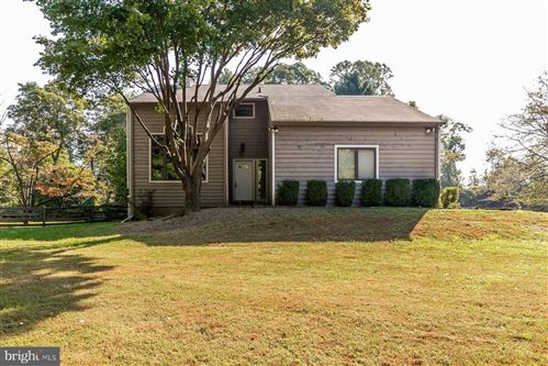 Photo of 15 AUTUMN WINDS CT, REISTERSTOWN, MD 21136 (MLS # 1007535698)