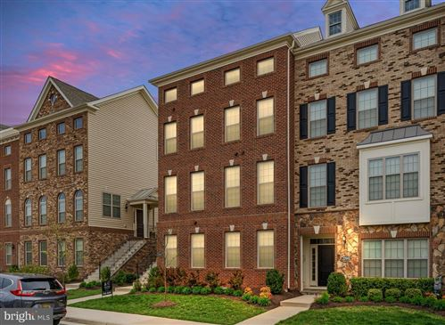Photo of 22605 NAUGATUCK SQ, ASHBURN, VA 20148 (MLS # VALO435700)