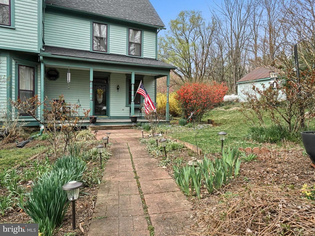 Photo of 3512 CEMETERY CIR, KNOXVILLE, MD 21758 (MLS # MDFR261702)