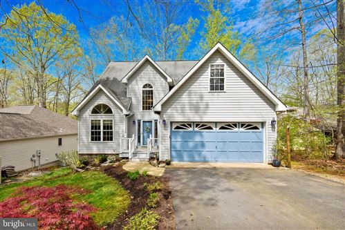 Photo of 129 LARKSPUR LN, LOCUST GROVE, VA 22508 (MLS # VAOR136704)