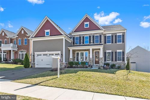 Photo of 7553 GLEN POINTE CT, SPRINGFIELD, VA 22153 (MLS # VAFX1113708)