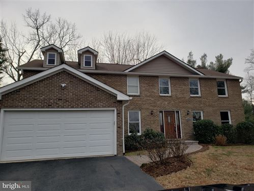 Photo of 9627 LOCUST HILL DR, GREAT FALLS, VA 22066 (MLS # VAFX1108710)