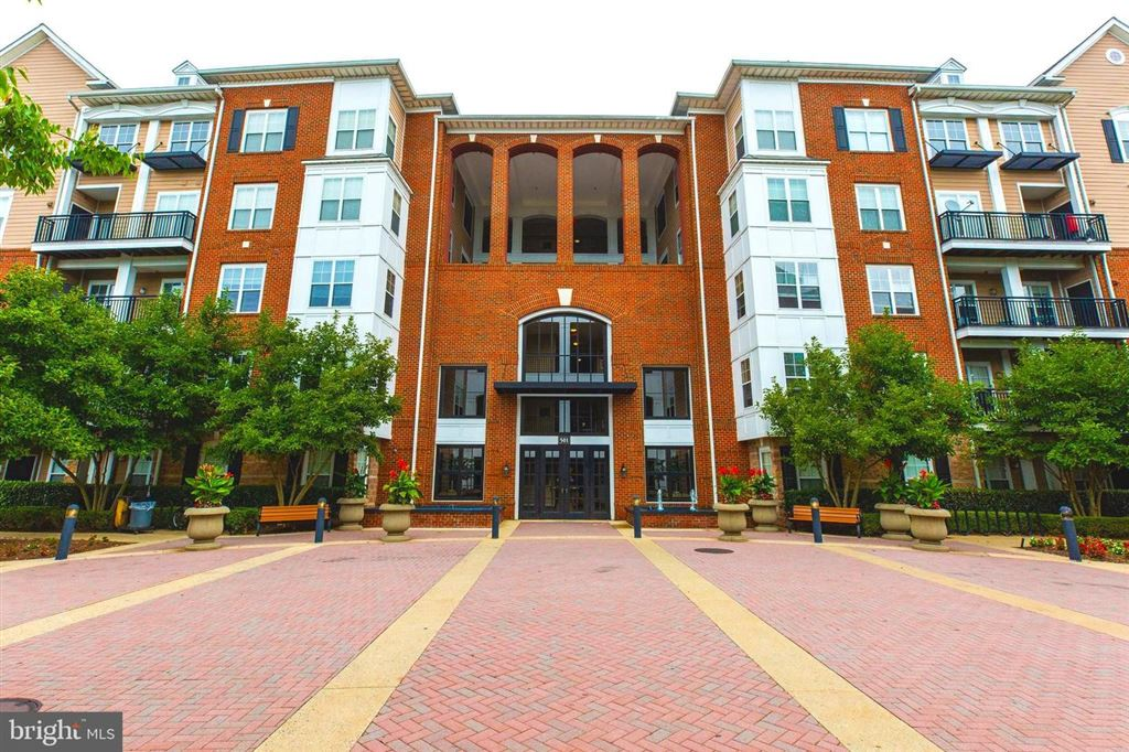 Photo for 501 HUNGERFORD DR #241, ROCKVILLE, MD 20850 (MLS # MDMC673720)