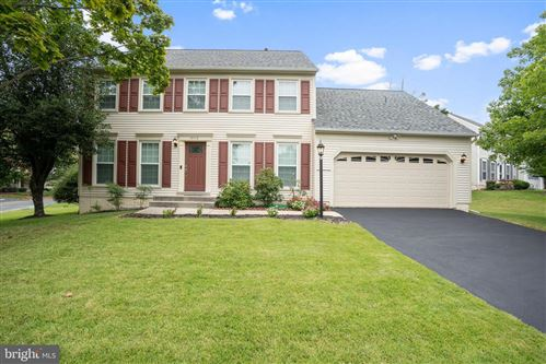 Photo of 10713 PEBBLEWOOD PL, NORTH POTOMAC, MD 20878 (MLS # MDMC728726)