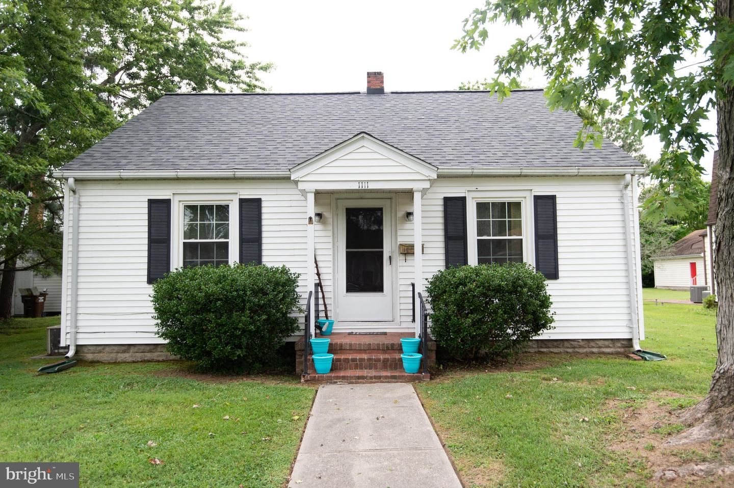 Photo of 1111 HOLLAND AVE, CAMBRIDGE, MD 21613 (MLS # MDDO125726)