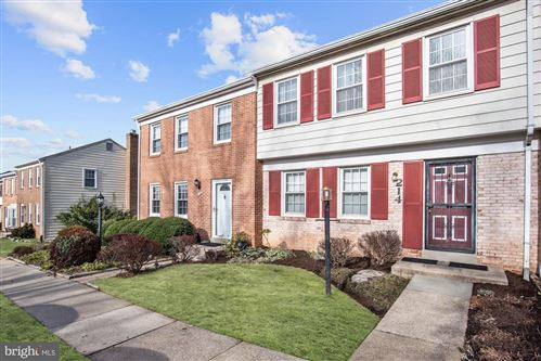 Photo of 214 PENDER PL, ROCKVILLE, MD 20850 (MLS # MDMC692730)