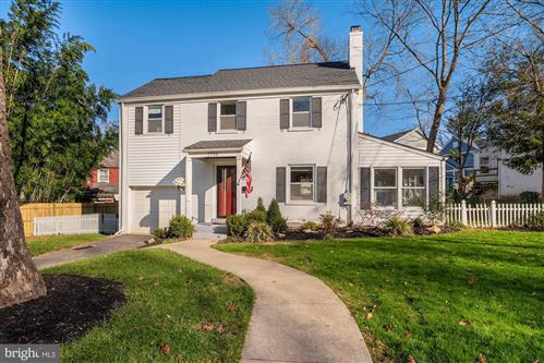 Photo of 2719 COLSTON DR, CHEVY CHASE, MD 20815 (MLS # MDMC733730)