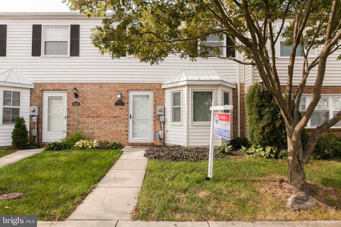 Photo of 6917 ALEX CT, FREDERICK, MD 21703 (MLS # MDFR270730)