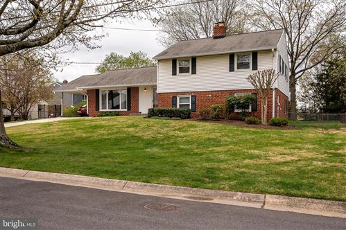 Photo of 3104 CASTLELEIGH RD, SILVER SPRING, MD 20904 (MLS # MDMC751732)