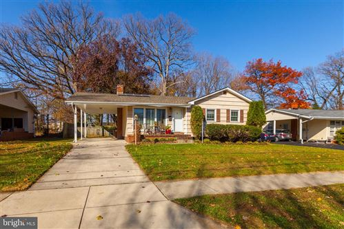 Photo of 1018 NEAL DR, ROCKVILLE, MD 20850 (MLS # MDMC735734)