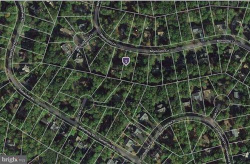 Photo of 537 MONTICELLO CIR, LOCUST GROVE, VA 22508 (MLS # VAOR138734)