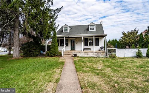 Photo of 401 VALLEY VIEW RD, SPRINGFIELD, PA 19064 (MLS # PADE535736)