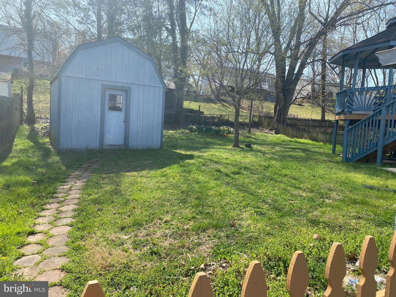 Photo of 13819 MEADOWBROOK RD, WOODBRIDGE, VA 22193 (MLS # VAPW519736)