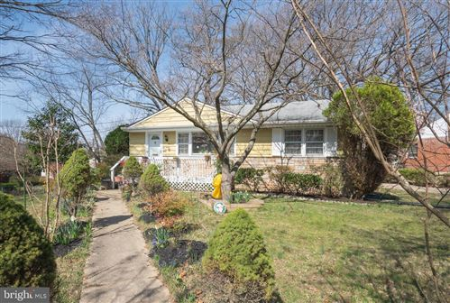 Photo of 500 WOODBURN RD, ROCKVILLE, MD 20851 (MLS # MDMC701742)