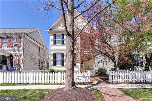 Photo of 213 CREEK VALLEY LN, ROCKVILLE, MD 20850 (MLS # MDMC702742)