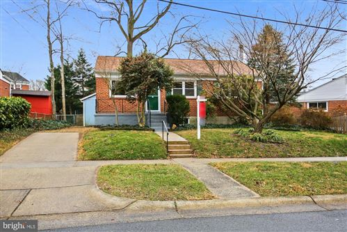 Photo of 902 ORANGE DR, SILVER SPRING, MD 20901 (MLS # MDMC739742)