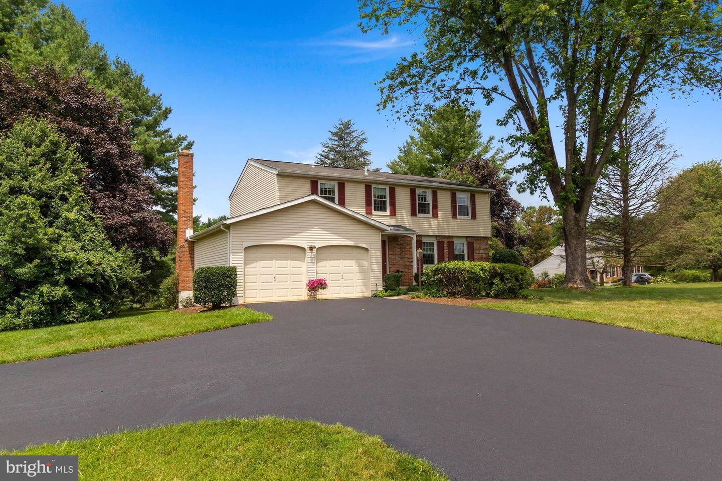 Photo of 22513 GRIFFITH DR, GAITHERSBURG, MD 20882 (MLS # MDMC2004742)