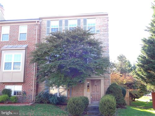 Photo of 5450 MIDDLEBOURNE LN, CENTREVILLE, VA 20120 (MLS # VAFX1106750)
