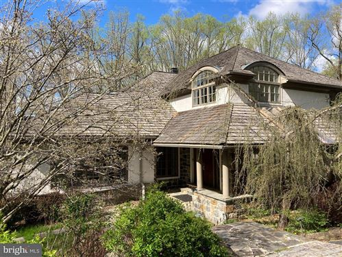 Photo of 47 SLEEPY HOLLOW DR, NEWTOWN SQUARE, PA 19073 (MLS # PADE543754)