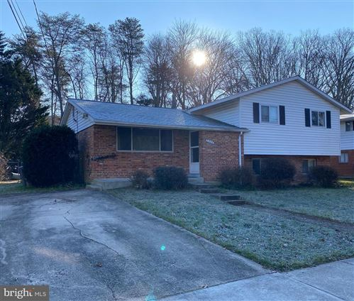Photo of 1704 LORRE DR, ROCKVILLE, MD 20852 (MLS # MDMC740756)