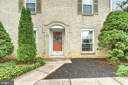 Photo of 1000 COUNTRY CLUB RD #13, YORK, PA 17403 (MLS # PAYK2000756)