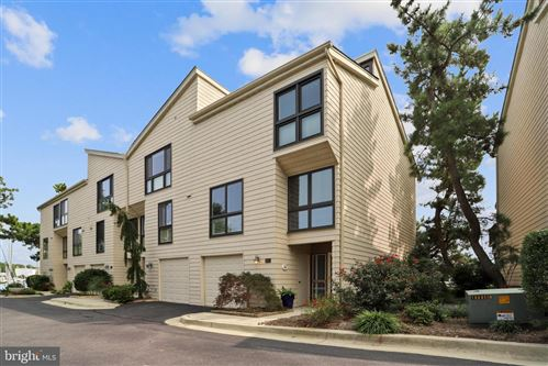 Photo of 688 FAIRVIEW AVE, ANNAPOLIS, MD 21403 (MLS # MDAA446760)