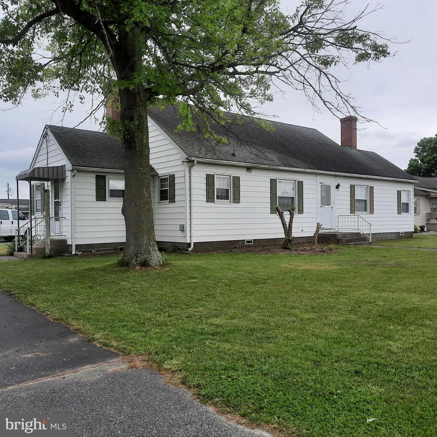 Photo of 28572 DUPONT BLVD, MILLSBORO, DE 19966 (MLS # DESU182760)