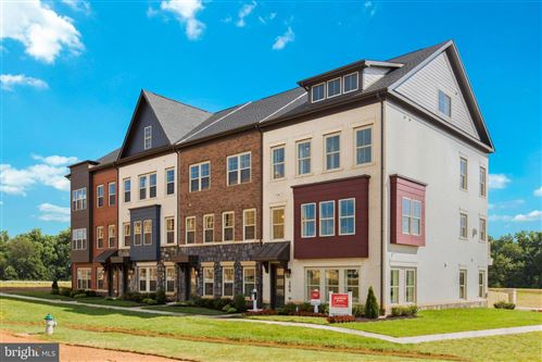 Photo of 123 ARMSTRONG PL #15W, GAITHERSBURG, MD 20878 (MLS # MDMC736762)