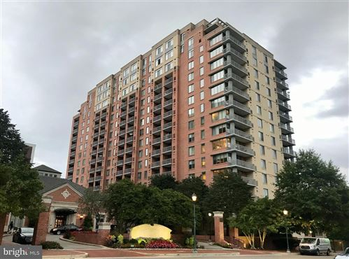 Photo of 11710 OLD GEORGETOWN RD #913, NORTH BETHESDA, MD 20852 (MLS # MDMC727766)