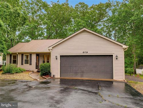 Photo of 609 YORKTOWN BLVD, LOCUST GROVE, VA 22508 (MLS # VAOR136772)