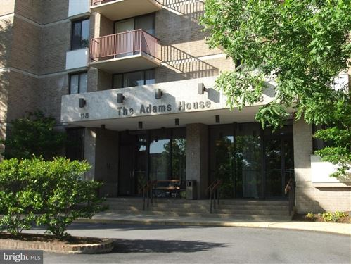Photo of 118 MONROE ST #907, ROCKVILLE, MD 20850 (MLS # MDMC702776)