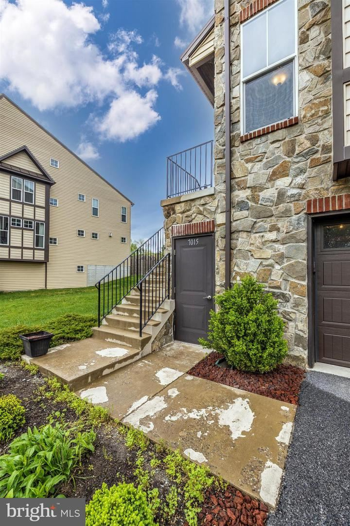 Photo of 7015 COUNTRY CLUB TER, NEW MARKET, MD 21774 (MLS # MDFR280776)