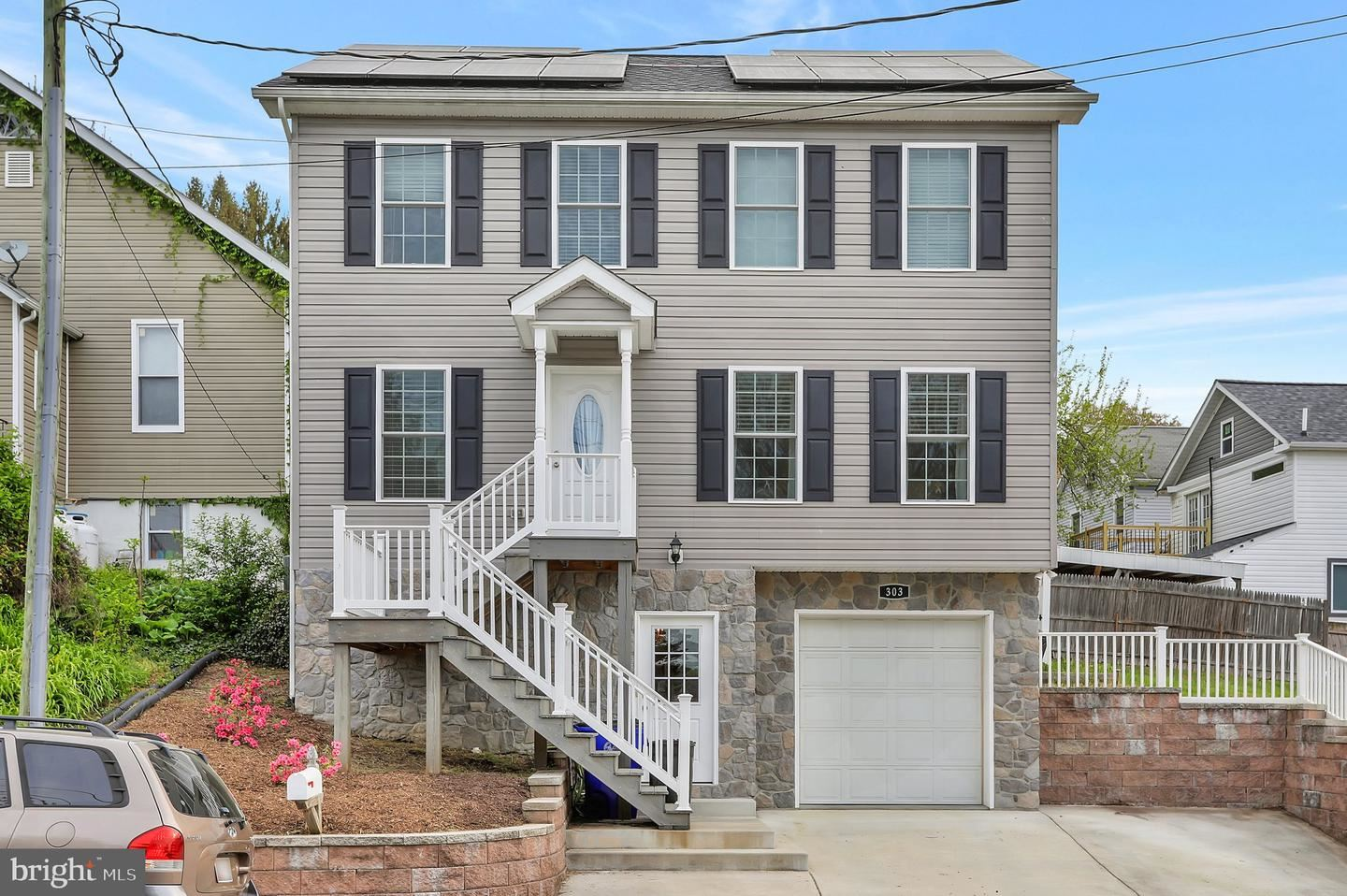 Photo of 303 W B ST, BRUNSWICK, MD 21716 (MLS # MDFR281776)