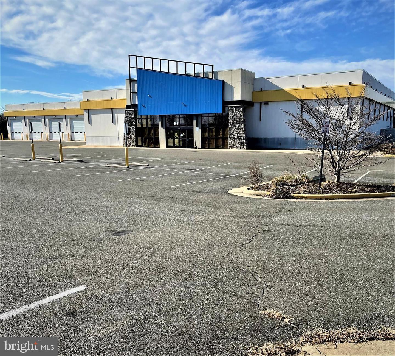 Photo of 190 COMMONWEALTH, WINCHESTER, VA 22602 (MLS # VAFV161776)