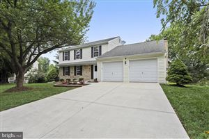 Photo of 15771 BUENA VISTA DR, ROCKVILLE, MD 20855 (MLS # MDMC674778)