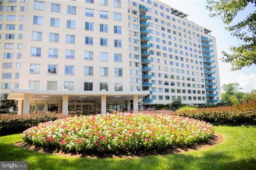 Photo of 10500 ROCKVILLE PIKE #214, ROCKVILLE, MD 20852 (MLS # MDMC727778)