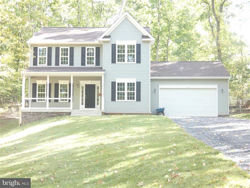Photo of 134 LARKSPUR LN, LOCUST GROVE, VA 22508 (MLS # VAOR134778)