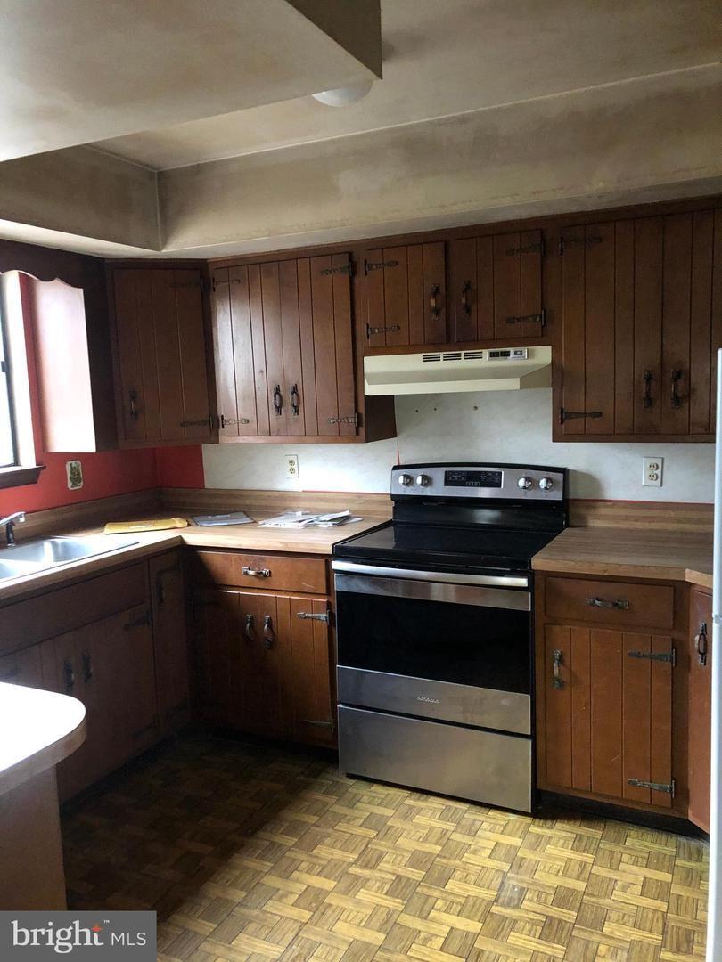 Photo of 280 E ROCK RD, ALLENTOWN, PA 18103 (MLS # PALH115778)