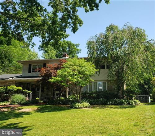 Photo of 31 OAKLAND AVE, LANSDALE, PA 19446 (MLS # PAMC655784)