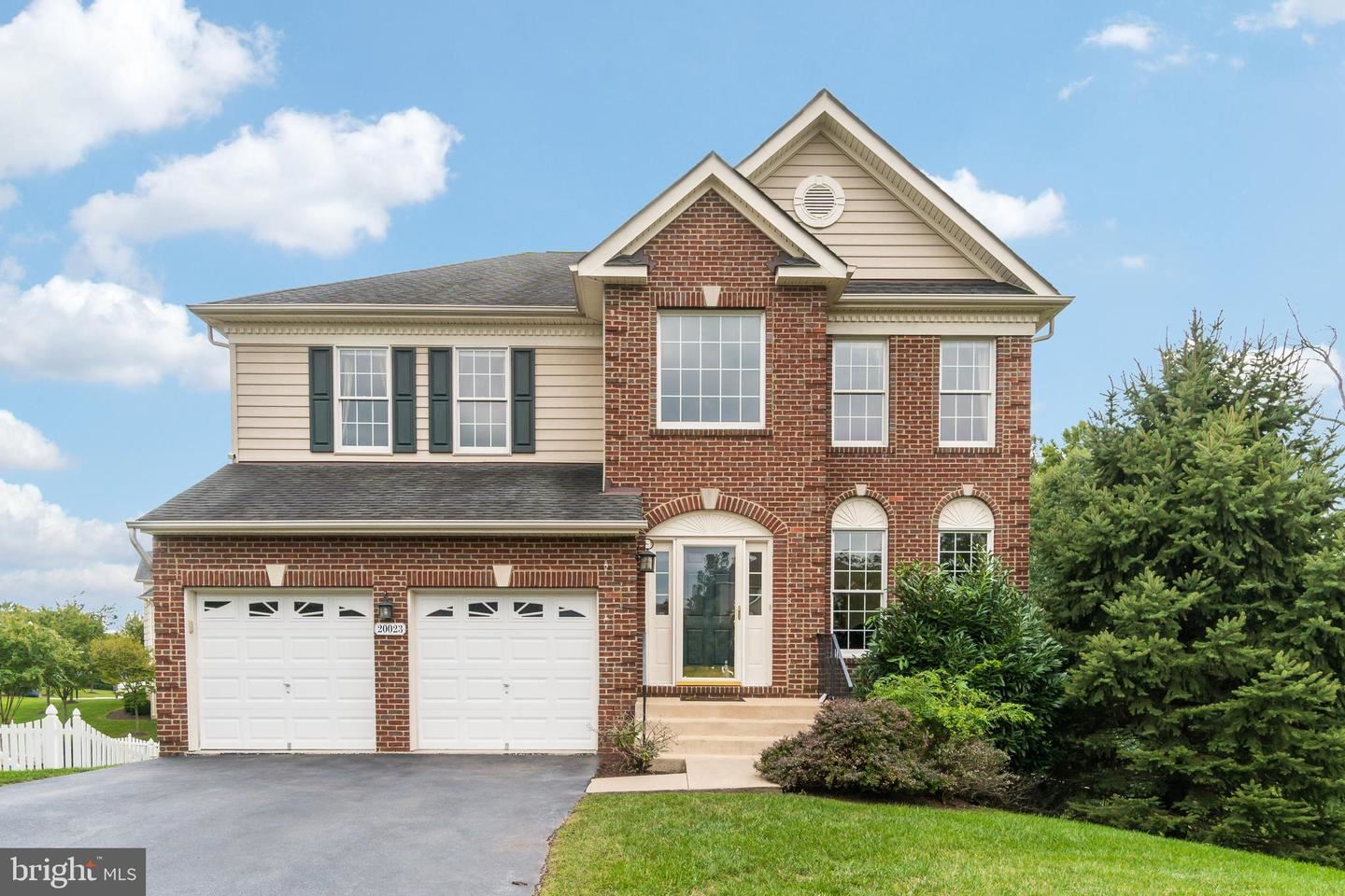 Photo of 20023 MUIRFIELD VILLAGE CT, ASHBURN, VA 20147 (MLS # VALO421786)