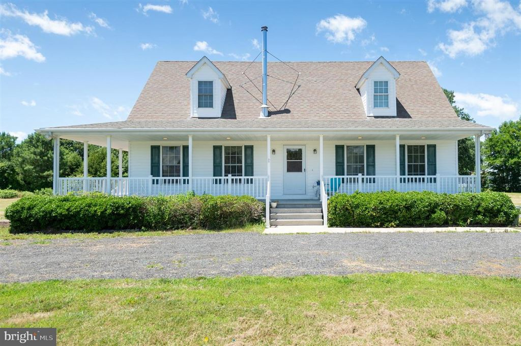 Photo for 711 TWIN POINT COVE RD, CAMBRIDGE, MD 21613 (MLS # MDDO123788)