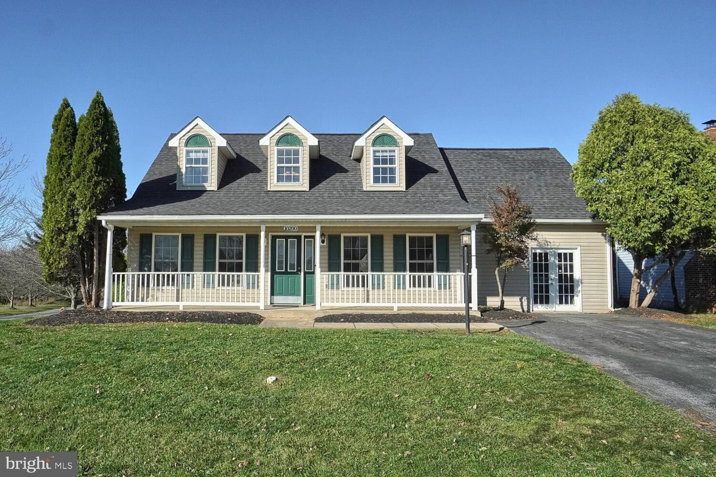Photo of 10200 BEAR CREEK DR, HAGERSTOWN, MD 21740 (MLS # MDWA175788)