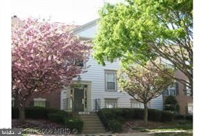 Photo of 12108 GREEN LEDGE CT #302, FAIRFAX, VA 22033 (MLS # VAFX1089790)