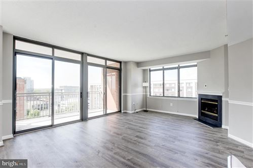 Photo of 11710 OLD GEORGETOWN RD #1415, ROCKVILLE, MD 20852 (MLS # MDMC752792)
