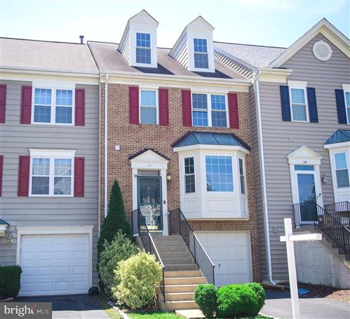 Photo of 151 HAMPSHIRE SQ SW, LEESBURG, VA 20175 (MLS # VALO412794)