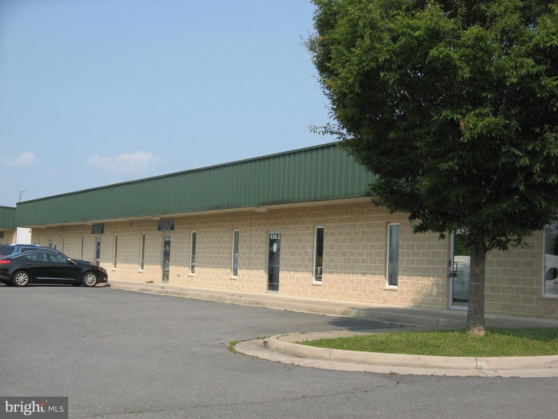 Photo of 830 N. KENT ST, WINCHESTER, VA 22601 (MLS # VAFV2000794)