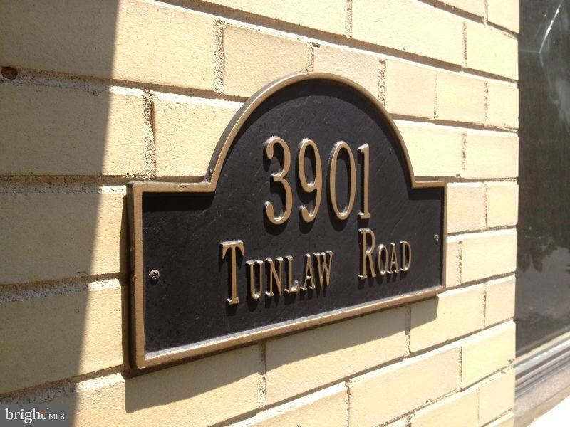 Photo of 3901 TUNLAW RD NW #401, WASHINGTON, DC 20007 (MLS # DCDC2018802)